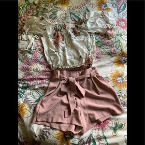TWO PIECE OUTFIT • SIZE S • NWOT 🌸💐🌷